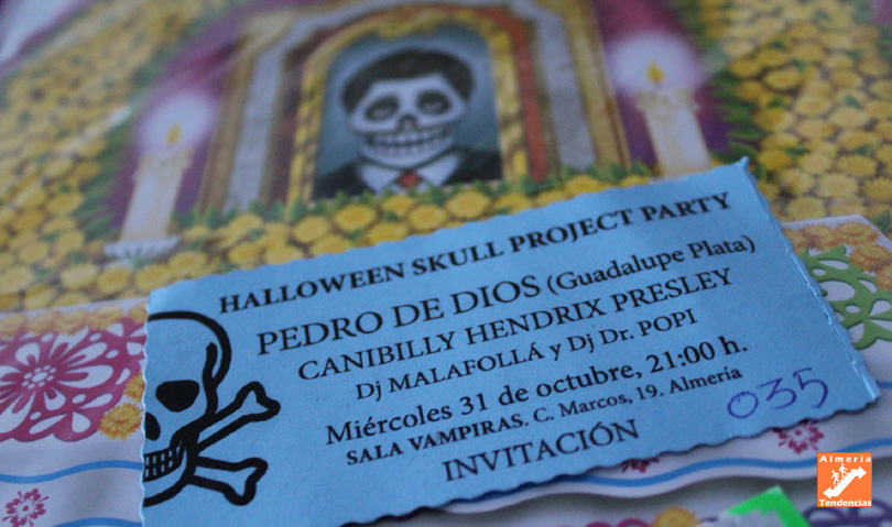 Invitación fiesta inauguración exposición Halloween Skull Project