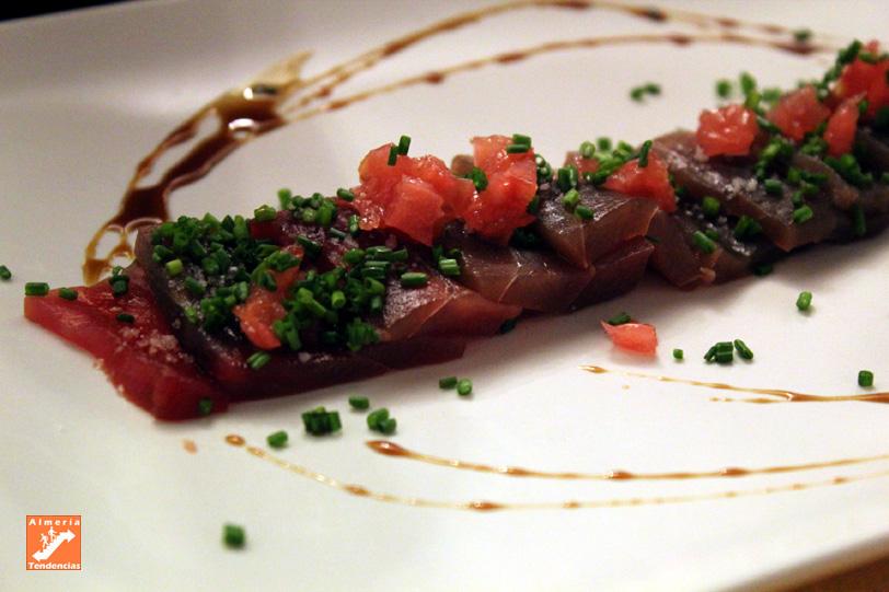 Tataki de atún en Pimienta Rosa - Almería