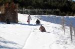 Jugando con la nieve en Las Menas de Serón, en Almería