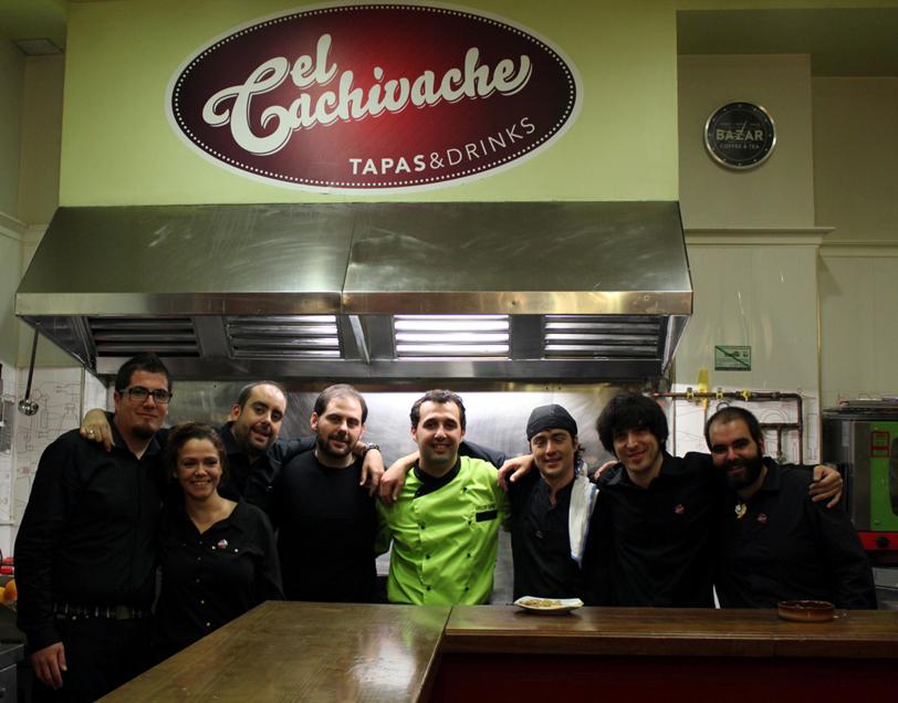 El equipo de El Cachivache en la inauguración