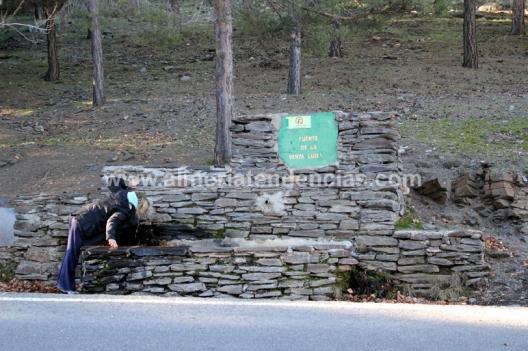 Una parada en el camino - fuente de agua - Filabres