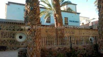 Lateral balneario Sierra Alhamilla