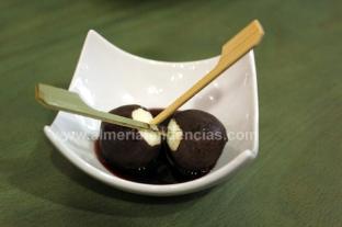 Chupa Chups de roquefort y chocolate en El Cachivache