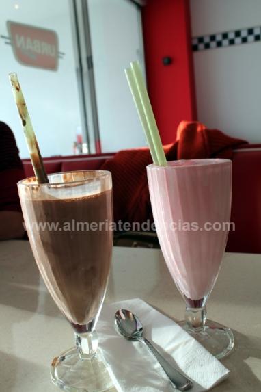 MilkShakes de chocolate y fresa, en Urban Diner