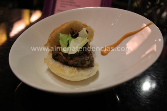hamburguesita en bar La Mala