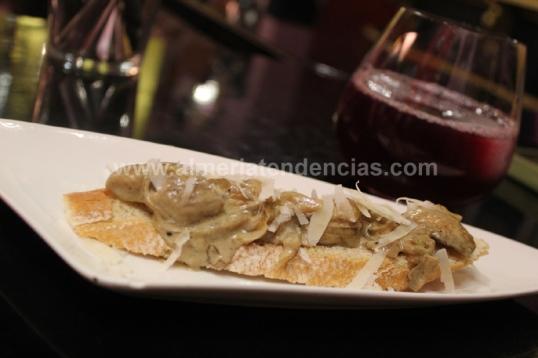 Tosta de boletus en bar La Mala