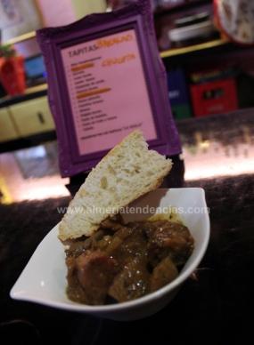 chop suey de pollo en bar La Mala