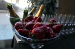 Cava con fresas - El Brunch de las once