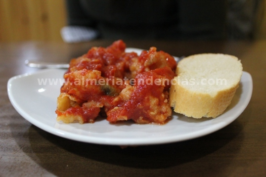 Bacalao con tomate en La Raspita
