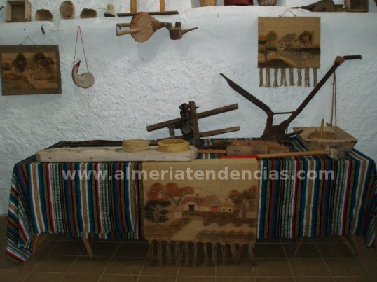 Objetos antiguos en Bodega Cortijo El Cura