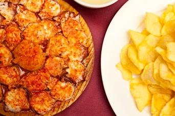 Patatas a la inglesa y pulpo a la gallega en A Casiña