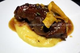 Carrillera de cerdo ibérico con soja y naranja, puré de manzana y piña - iván abril - bacus