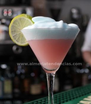Gin Fizz con espuma de cítricos, en Vu Bar