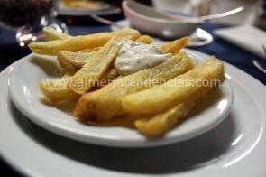 Patatas almadrabillas en Kiosco Almadrabillas