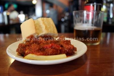 Cueva - Carne tomate